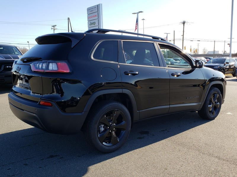 New 2020 JEEP Cherokee Latitude Plus 4dr Front-wheel Drive