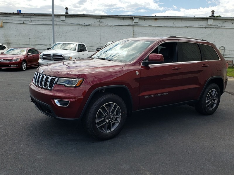 New 2020 JEEP Grand Cherokee Laredo 4dr 4x4