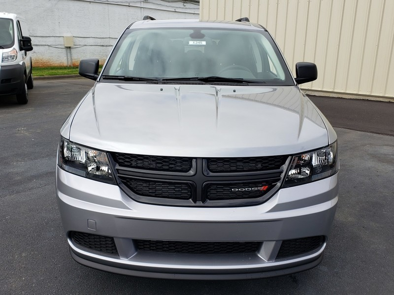 New 2020 DODGE Journey SE Value 4dr Front-wheel Drive